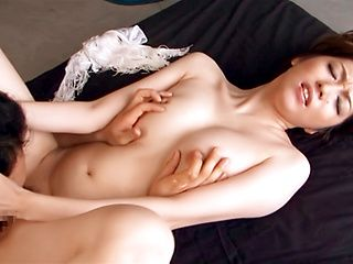 Izumi Tachibana enjoys having her snatch drilles