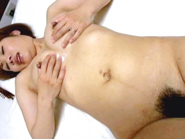 Busty hot milf Marumi Yokoyama likes huge cocks