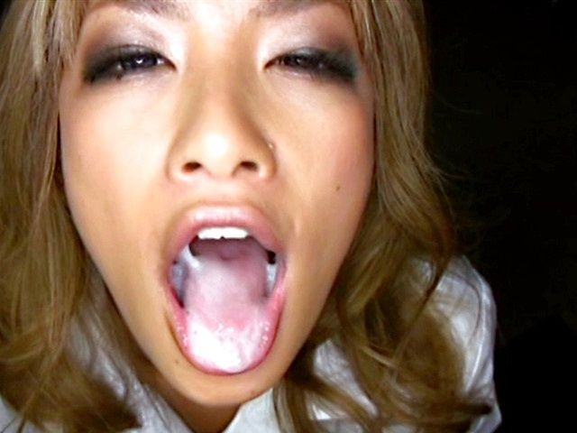 Nice Av schoolgirl licks and deepthroats a big schlong