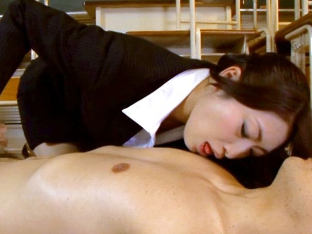 Sexy Reiko Kobayakawa gets horny and eager