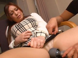 Akane Mizusaki and her girlfriend fuck with two horny dudes