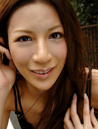 Anari Suzuki Hot Horny Asian Model Enjoys Showing Off