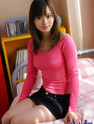 Hikaru Koto Naughty Asian Babe Likes Showing Off Her Wares