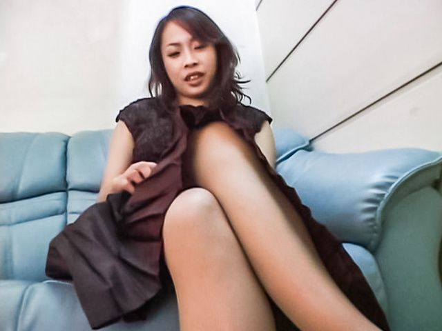 Big-tittied Asian lady in nylon pantyhose masturbates her pussy