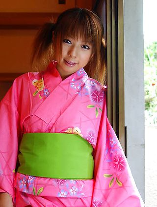 Miyu Asian Babe Is Modeling A Sexy Kimono For Photos