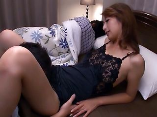 Mature Japanese AV model gets hardcore banging