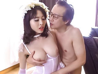 Japanese milf enjoys sex in her wedding dress