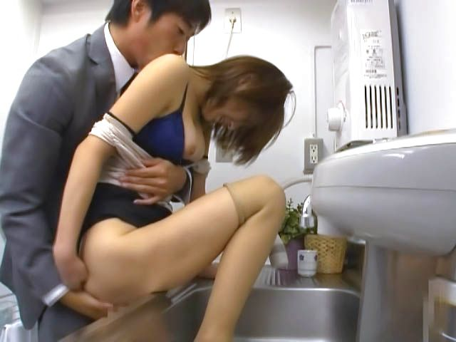 Office beauty receives great fucking at work
