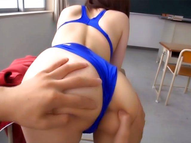 Ravishing babe gets a throbbing rare fuck
