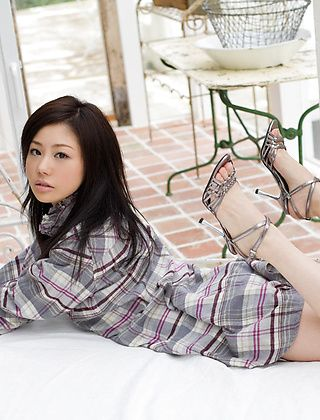 Takami Hou Naughty Asian Model Is A Sexy Show Off