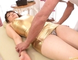 Saori Kurata Asian babe pokes and rubs her pussy picture 13