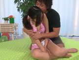Reira Maki Asian babe fondles her pussy!