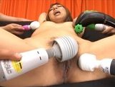 Aino Uta Sexy Asian doll gets her pussy lips spread