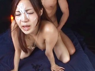 Yukina Momota enjoys wild gang to the max