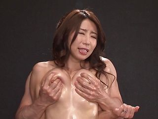 Pleasing tit fetish with sexy Ayumi Shinoda