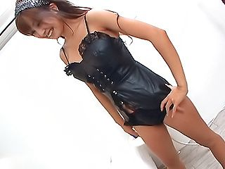 Tempting Asian hottie Mecumi gets anal and pussy stretched