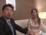 Kanon Yamazaki is being seduced by a stud picture 13