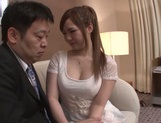 Kanon Yamazaki is being seduced by a stud picture 14