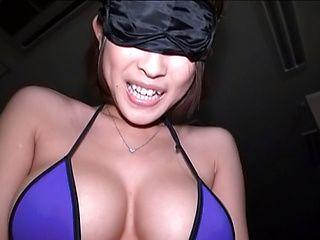 Steaming AV model Yuzu Ogura worships hard dicks