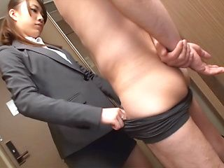 Slender Japanese office chick has oral sex with her male colleague