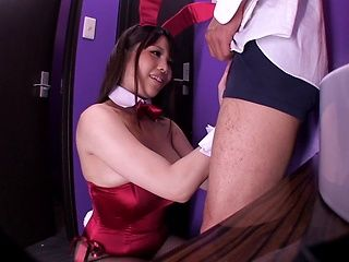 Curvy sweetie Rion Nishikawa in bunny costume sucks rod