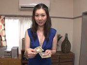 Young Yui Tatsumi enjoys deep penetration