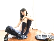 Saori Hara Sexy Asian babe shows off her hot body