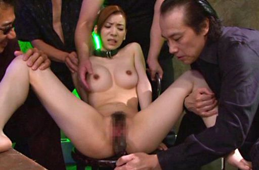 Hot babe Yuria Ashina being hand fucked by horny guys