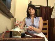 Luscious AV model Kaori Otonashi spreads legs for hard fuck