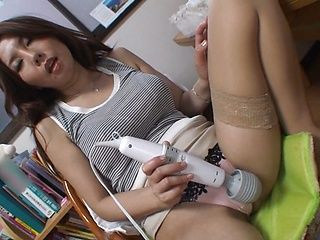 Hot amazing Japanese babe Sakiko Mihara plays with her slit