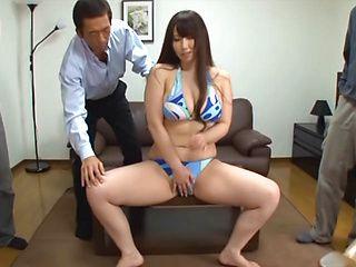 Sayuki Kanno hot Asian milf shows off big tits in sexy bikini