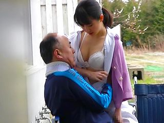 Wild nurse pleases older guy with a blowjob
