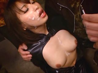 Shoko Akiyama playing nasty in Japanese group scene