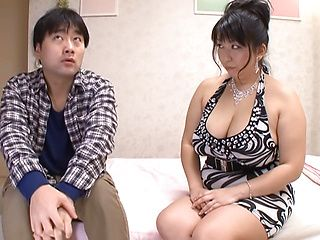 Amazing fat Japanese mature Yukari Orihara shows off her blowjob skills