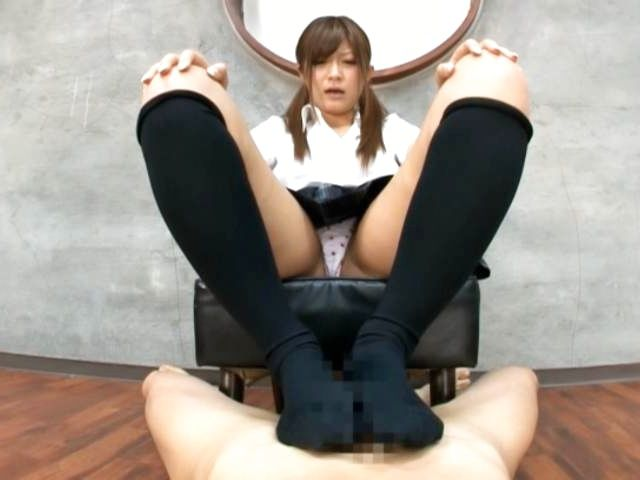 Amazing model Yurika Miyaji shows her skills at CFNM sex