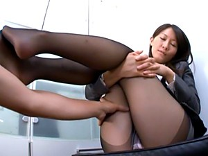 Lovely office girl Kozue Hirayama Japanese makes a foot job