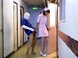 Helpful Japanese nurse deepthroats cock of her sick patient