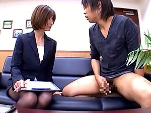 Beautiful office lady in sexy pantyhose Akari Asahina makes a guy jerk off