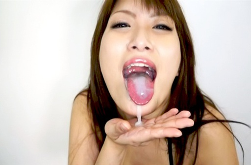 Yumi Mizuki is amazing in swallowing warm jizz