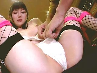 Tied up Japanese beauty Yui Mizumori is teased and drilled