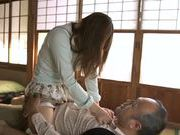Lustful Japanese babe Hanomi Uehara enjoys stiff cock
