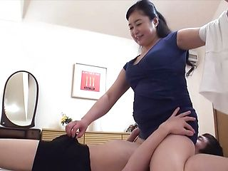 Chubby mature deals two guys in perfect hardcore show