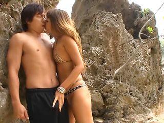 Outdoor porn adventure with sleazy milf Ayu Sakurai