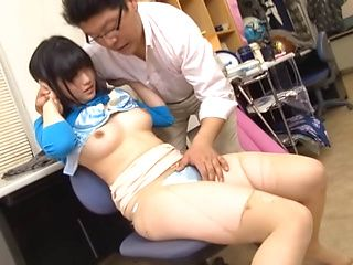 Smooth japanese lady has her cunt licked