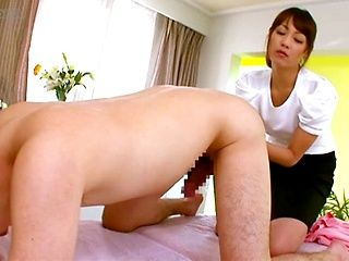Insolent Japanese milf gives amazing massage