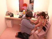 Ayaka Tomoda is a horny model, who loves pussy licking