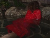 Rin Sakuragi finger fucking her pussy in the water picture 9