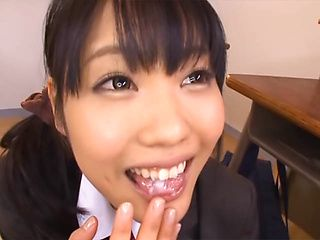Cum-thirsty babe Mayu Morida deepthroats her boyfriend´s boner