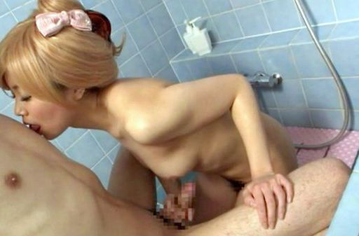 Blonde Japanese chick gets screwed by her lover in a shower