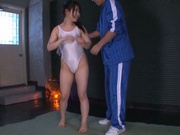 Asian Rin Suzume amazes with her soft feet